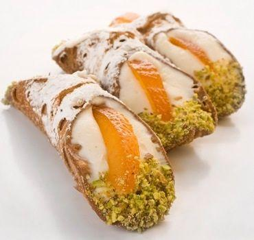 cannolo siciliano
